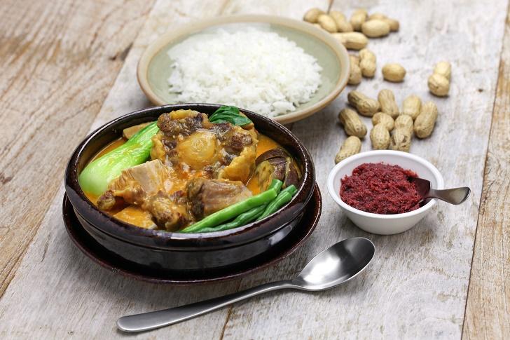 kare kare, filipino oxtail stew, philippine cuisine