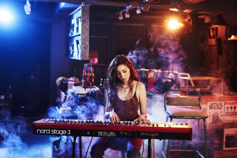 「廢系尤物」孫尤安與「紙博士」國蛋攜手合作 電氣R&B 《Drink-Drink-Drink》 5