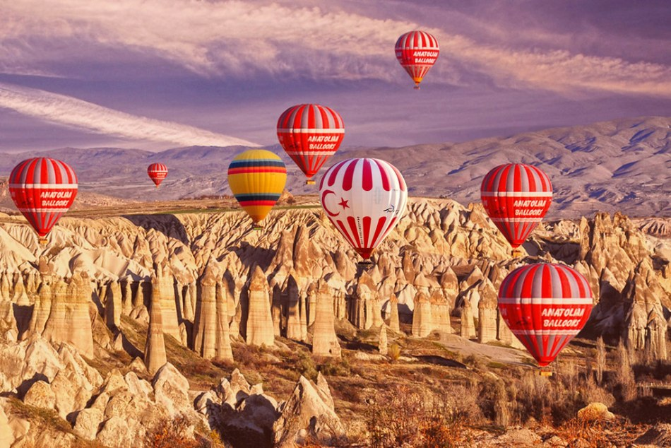 Ben Böhmer 搭上熱氣球在土耳其卡帕多奇亞的奇景上空演出! 6