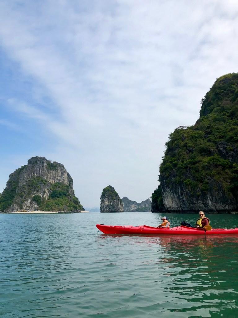 kayaking Bai Tu Long Bay Cruise