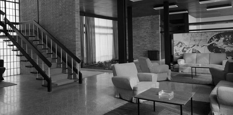 Hall y Escalera de la Clínica Vistahermosa