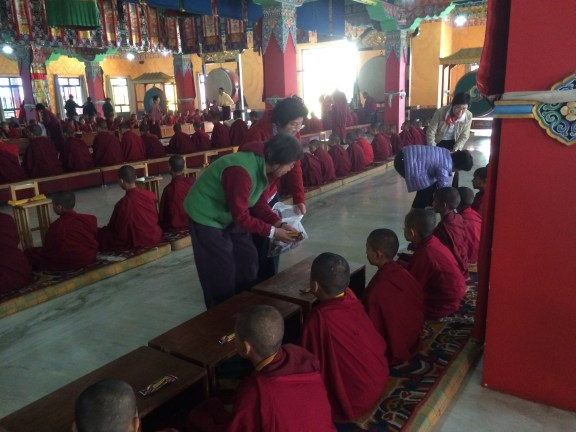 34 (Making Offerings to Lamas)