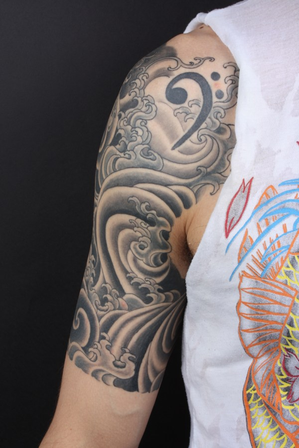 black and gray tattoo tattooing