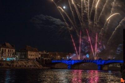 2019 07 14 - Feu d'artifice Sens Bourgogne85
