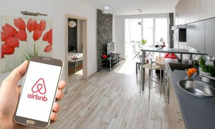 Airbnb debuta en Wall Street en medio de la crisis económica