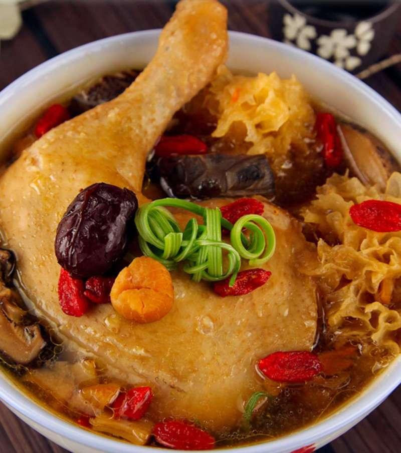 Snow Fungus Chicken Soup