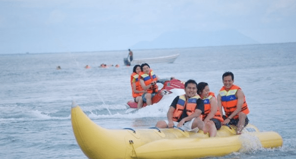passion-trip-banana-boat