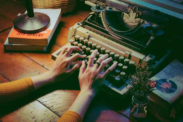 Authors' quotations on writing: What do writers think of their craft?