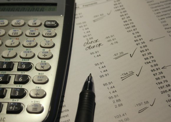 I have substantial proofreading experience in accounting, finance and economics