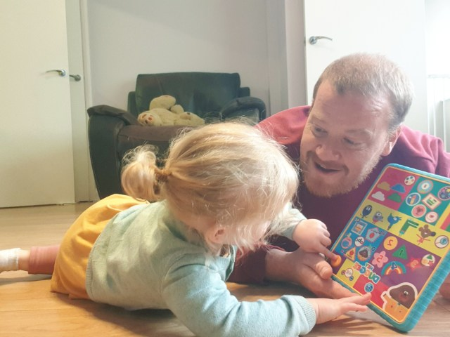 Here my youngest daughter and I, lay on the floor together listening and playing along to this Hey Duggee toys sounds, giving it a thorough test for the review of this Hey Duggee Smart Tablet.