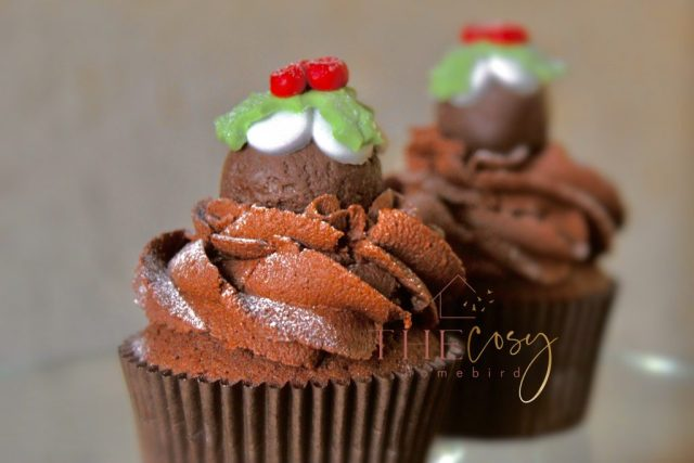 A super festive looking cupcake from the cosy homebird blog. Recreate your own using their Christmas Baking recipe.