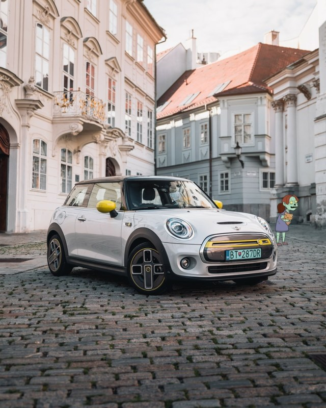 The Mini Electric, a perfect town car which has been selected to find out if it has a chance in which EV is the best choice to survive a zombie apocalypse.