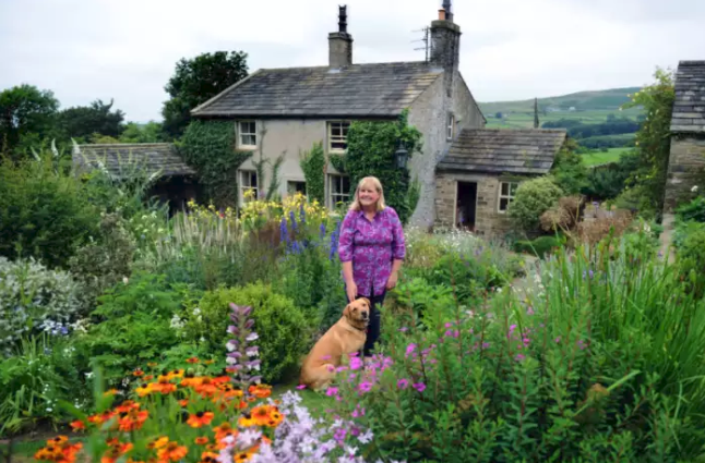 The Yorkshire Post – The Lone Arranger: Yorkshire Florist Susan Dobson Turns Her Home And Garden Into Spectacular Live-work Idyll