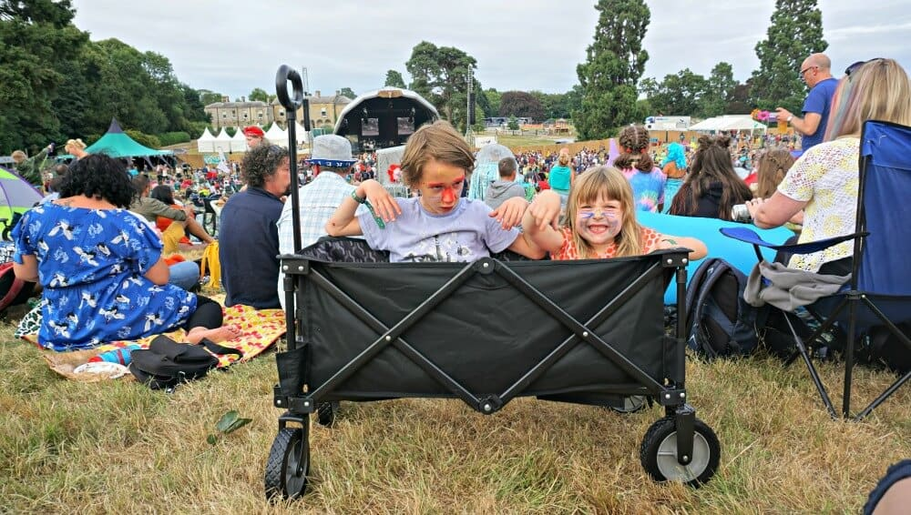 why every festival loving family needs an outwell cancun transporter yorkshire tots. Black Bedroom Furniture Sets. Home Design Ideas