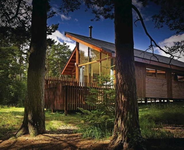 Terrific 5 Fabulous Family Friendly Holiday Cottages With Hot Tubs In Download Free Architecture Designs Crovemadebymaigaardcom