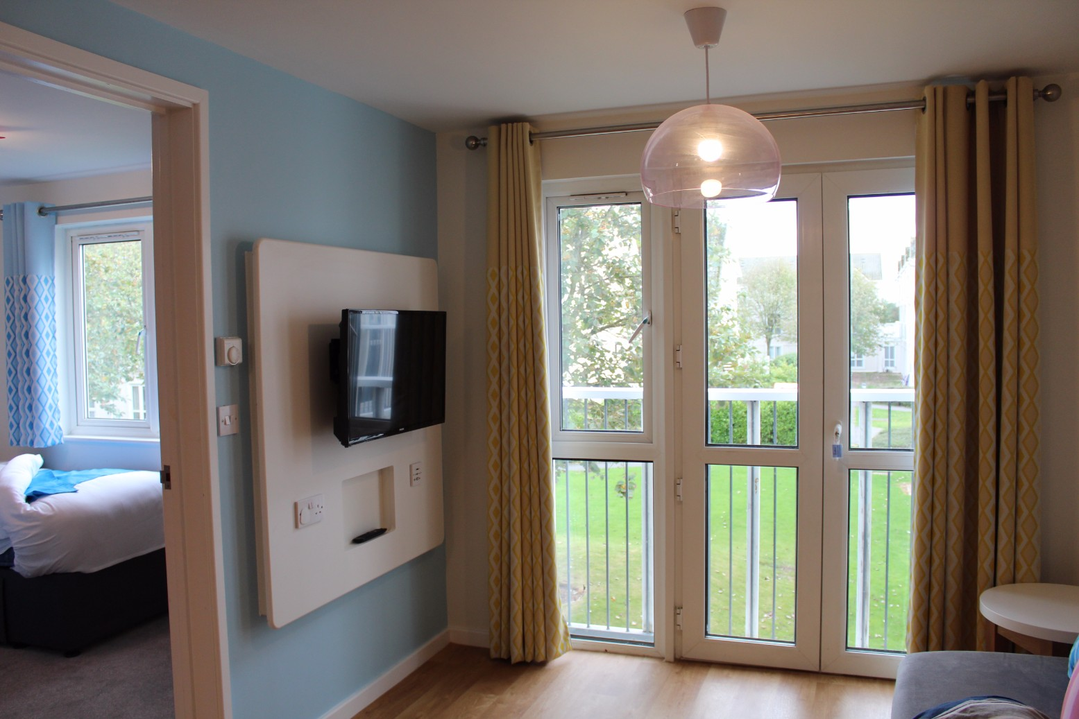 living room package with tv condo fireplace design ideas fairground apartments butlin's skegness - review ...