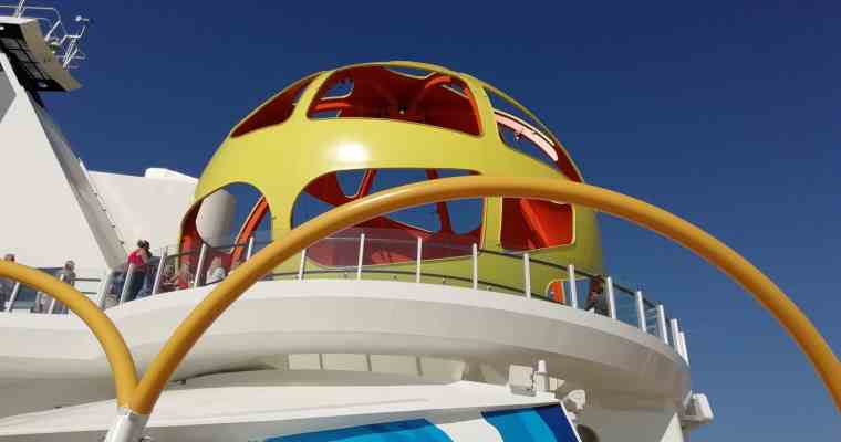 Sky Pad and The Perfect Storm on Independence of the Seas