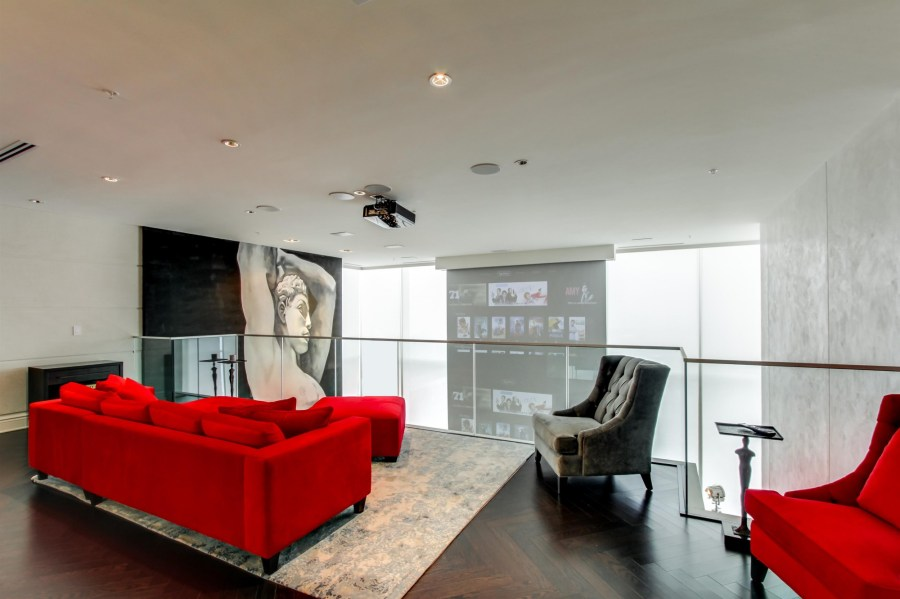 180 UNIVERSITY AVE - TWO FLOOR PENTHOUSE FOR SALE - CONTACT YOSSI KAPLAN