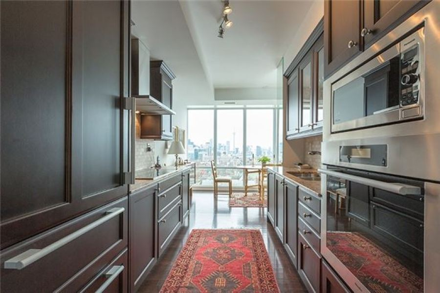 ONE BEDFORD CONDOS TWO BED FOR SALE - KITCHEN - CONTACT YOSSI KAPLAN