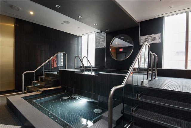32 Davenport - Yorkville Condos For Sale - Jacuzzi