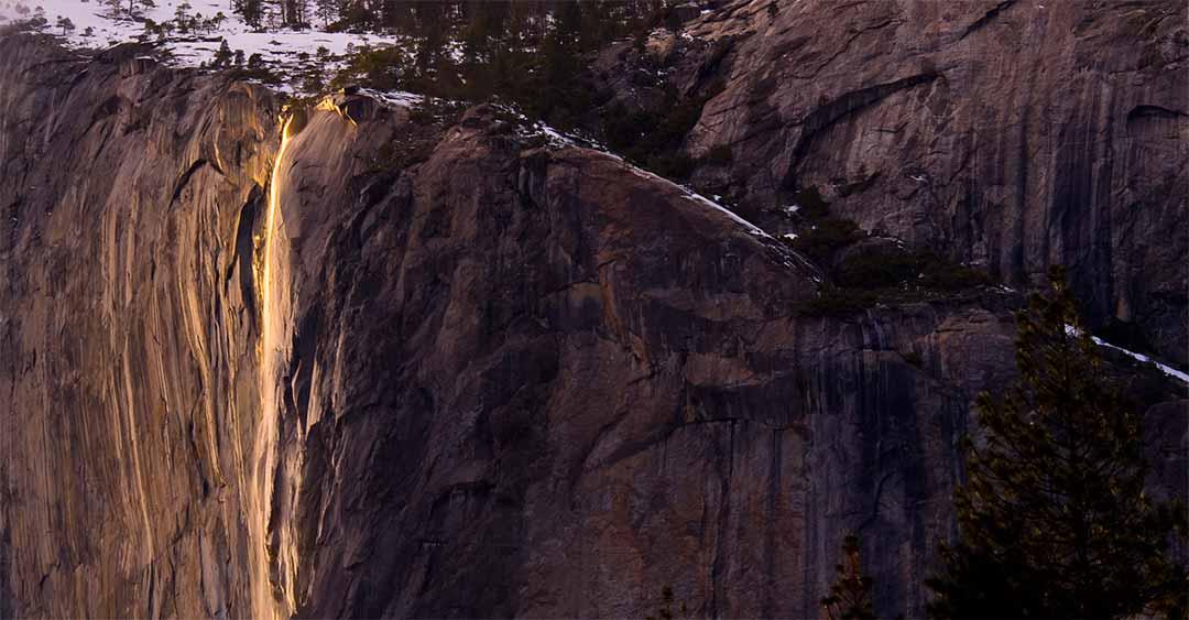 Upper Yosemite Falls Wallpaper The Natural Firefall Horsetail Fall Yosemite Firefall