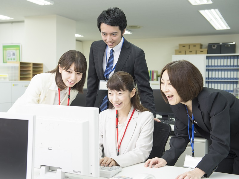女性営業[https://labo.nikkeihr.co.jp/contents/howto/sales_job_04_01/]