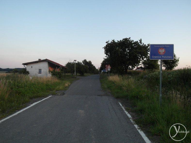 Koniec Polski, wjazd do miejscowości Chuchelná