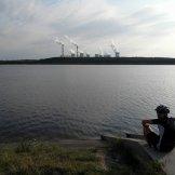 Relaks przy zbiorniku Słok niedaleko elektrowni Bełchatów