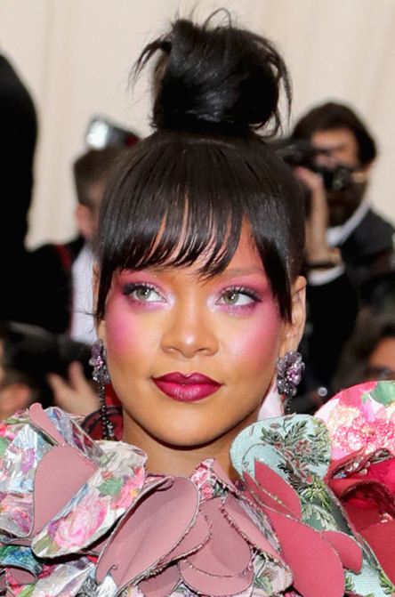 "NEW YORK, NY - MAY 01: Rihanna attends the ""Rei Kawakubo/Comme des Garcons: Art Of The In-Between"" Costume Institute Gala at Metropolitan Museum of Art on May 1, 2017 in New York City. (Photo by Neilson Barnard/Getty Images)"
