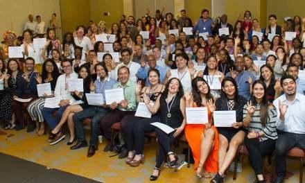 Caleños se graduaron en cultura ciudadana con Mi Comunidad es Escuela