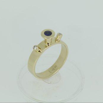Spellbound Sapphire & Diamond Ring