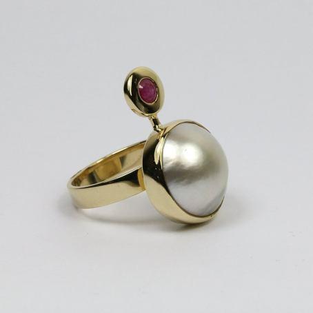 Luxury Pearl & Ruby Ring 4