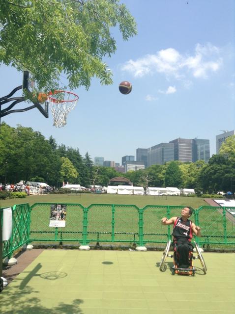 車椅子バスケットボール デモンストレーション