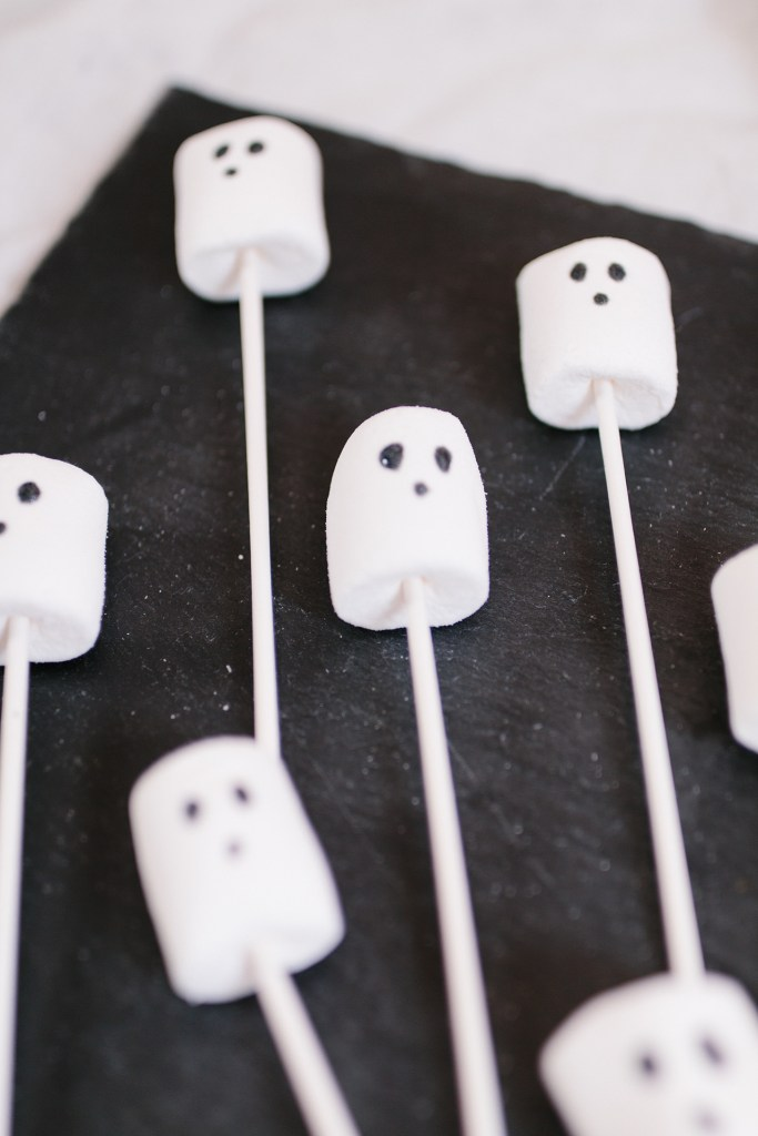 10 Ideen für die perfekte Halloween DIY Candy Bar
