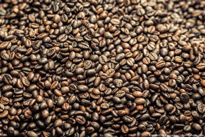 indonesia market coffee toraja