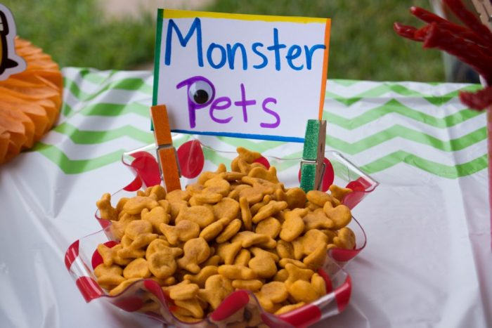 Monster Pets (goldfish crackers)