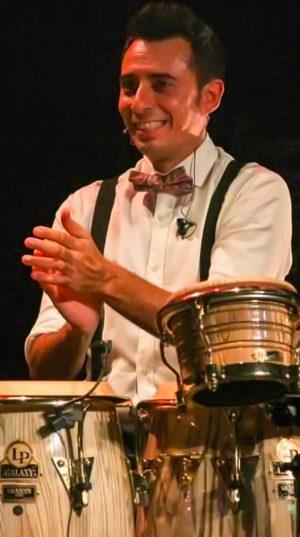 Roberto-Jaén---Percusión-y-Palmas---Youbeart-Academy