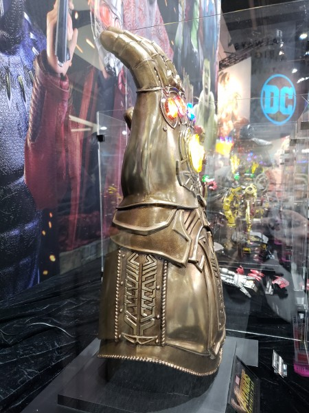 SDCC 2018  Sideshows Infinity Gauntlet Will Cost You An