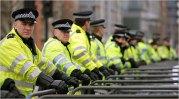 Полиция Европы бессильна перед мигрантами ( Видео)