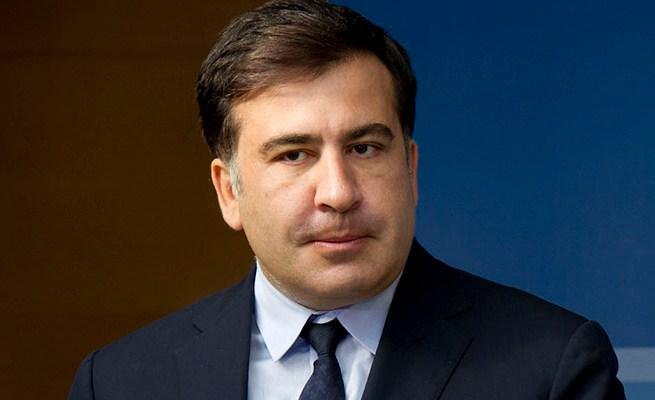 Губернатор Одесской области Михаил Саакашвили на своей странице в Facebook опубликовал паническое видеобращение с требованием ввести войска в Одессу.