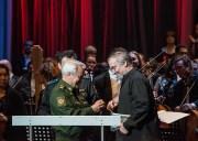 Валерия Гергиева и музыкантов Мариинского театра наградили медалями