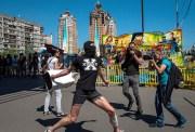 Геи опустили Украинских националистов (Видео)