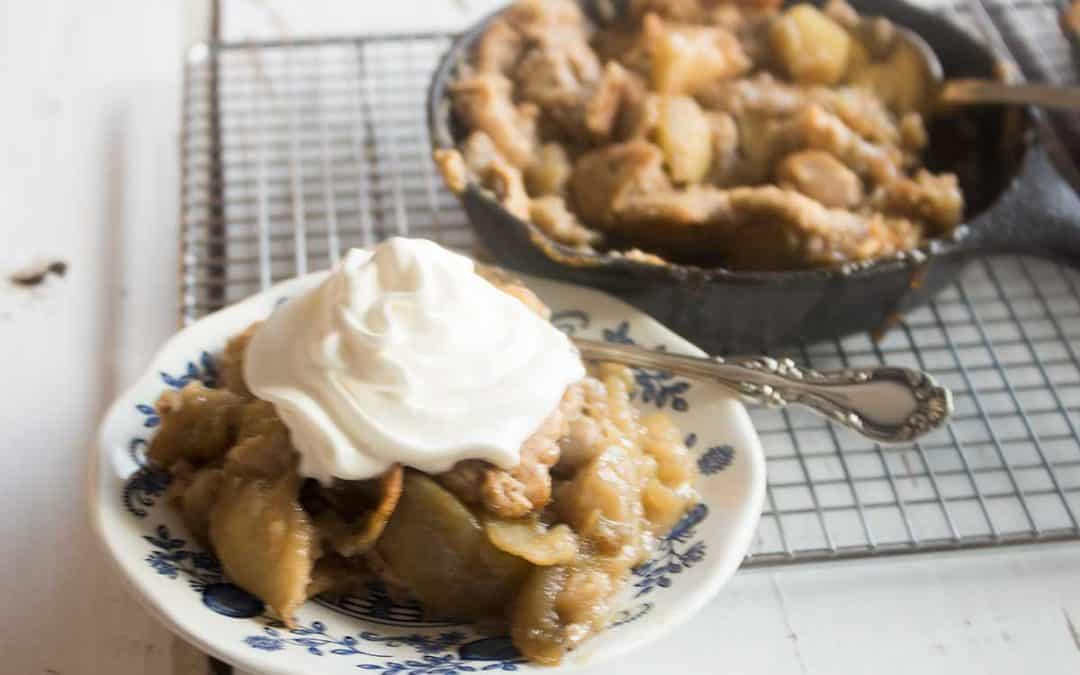 Enjoy This Simple Apple Pandowdy Recipe | Think Apple Cobber!
