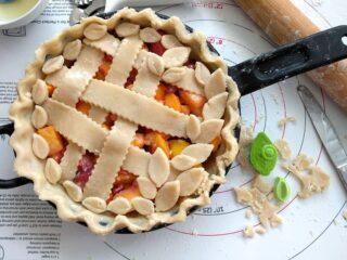 Homemade Peach Mango Sangria Skillet Pie