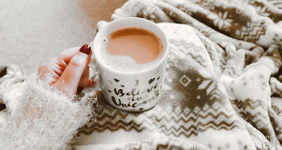 30 SIMPLE AND FUN WAYS YOU CAN FEEL THE HAPPINESS OF HYGGE ALL YEAR LONG