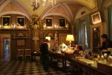 La plus grande et la plus ancienne pharmacie-parfumerie d'Italie