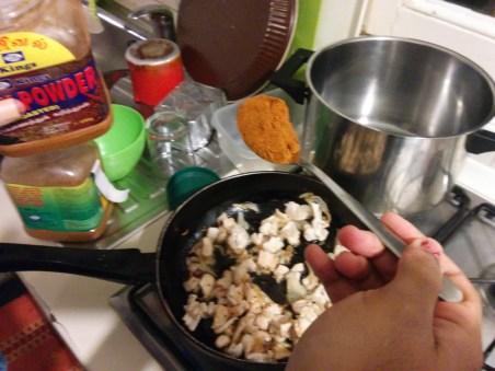 Puis les graines de Carvi et le Curry