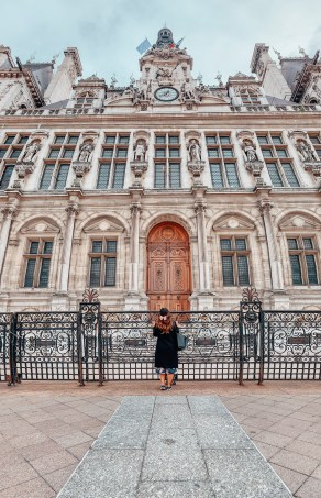 hotel de ville budget travel to paris