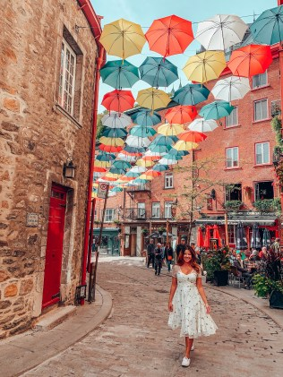 umbrella street travel tips for quebec city Rue du Cul de Sac