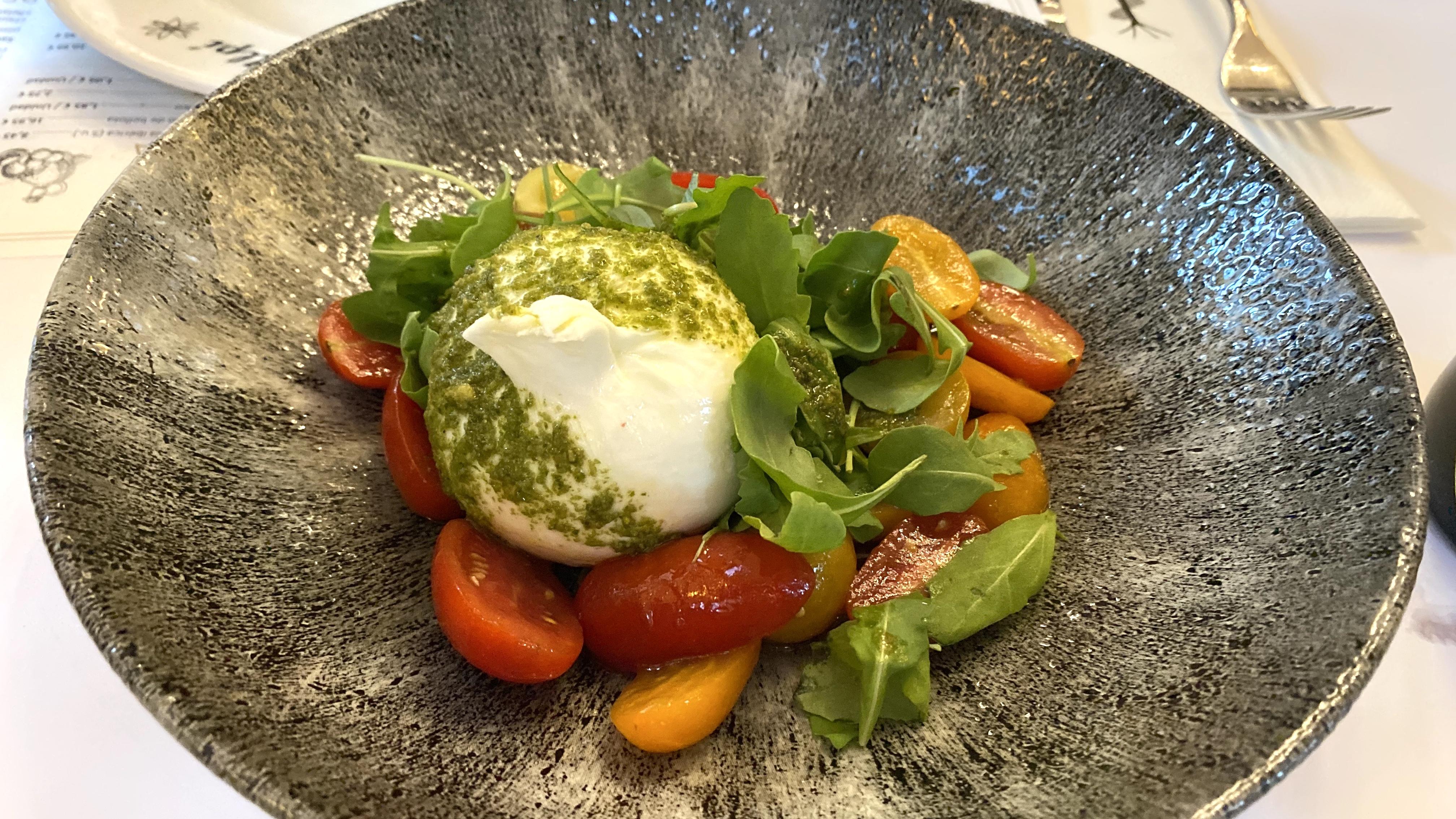 refugi alpi andorra burrata salad